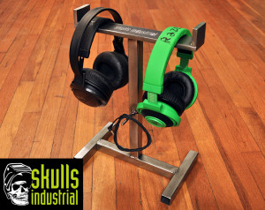 double-headphone-stand5
